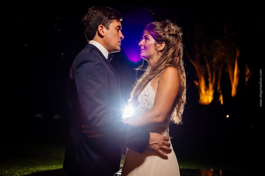 Recien casados, El Novio y La Novia- Salon La Delfina - Alejandro Gomez Fotografo de Casamientos